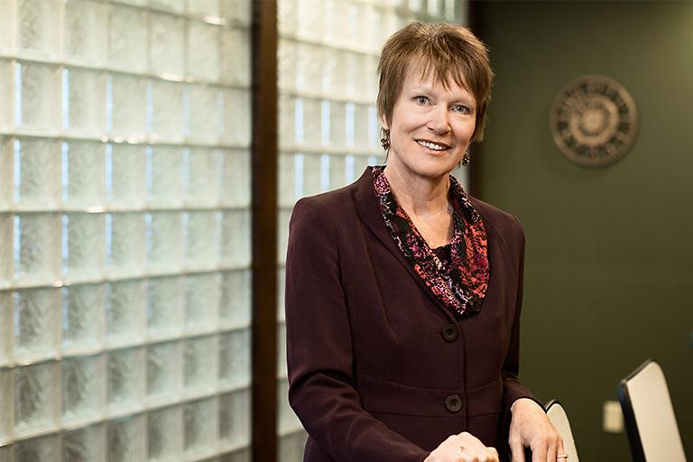 Dorsey & Whitney Trust Company | Julia Rau (Board Member)